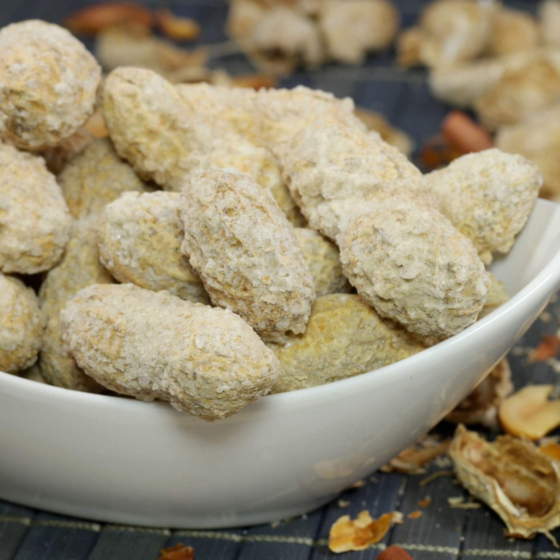 Erdnüsse mit Schale geröstet